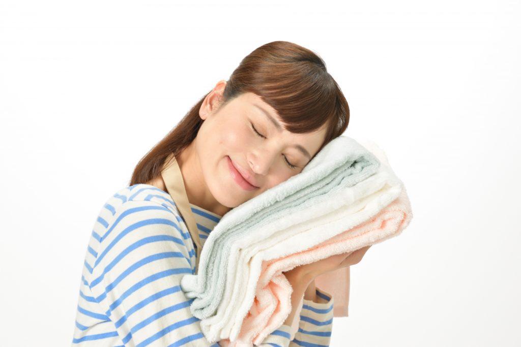 浴室乾燥機で洗濯物を干す